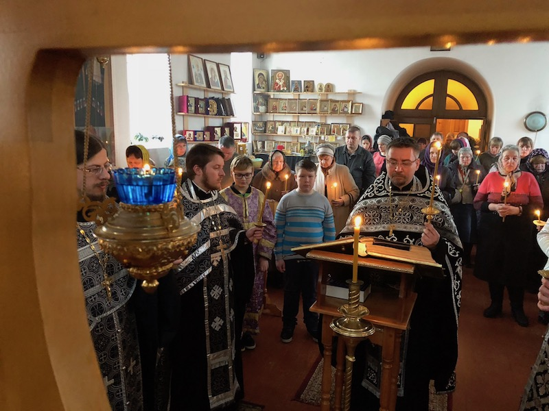 Утреня Великой Пятницы в храме апостола Иакова