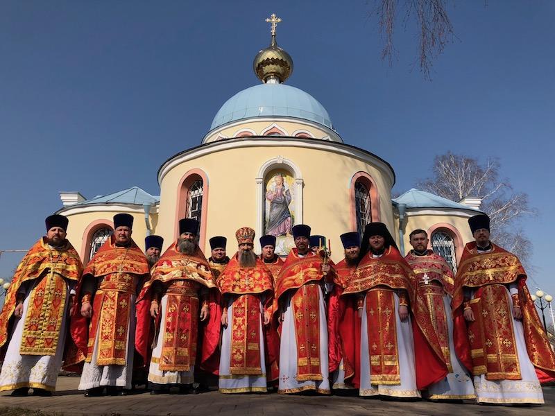 Совместное богослужение духовенства благочиния