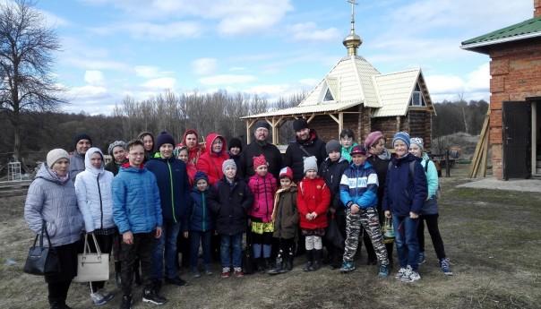 Паломничество воспитанников Православного Центра в Новотроевку и Корочу