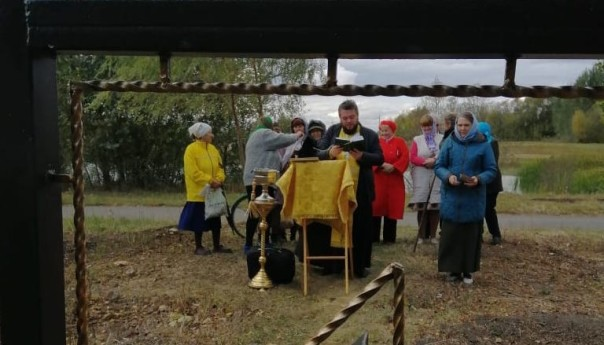 Поклонный крест установлен на хуторе Александровский